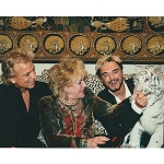 Siegfried and Roy Photo with Elizabeth Taylor