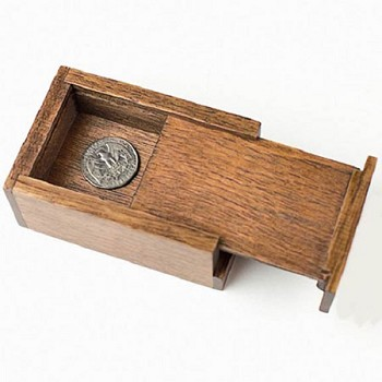 86 DISCONTINUED Wood Rattle Box